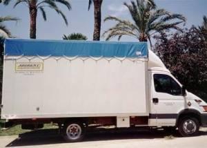 alquiler camion techo de lona