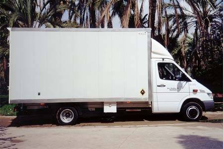 alquiler camión mercedes
